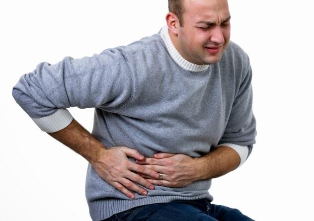 Боль в правом боку как симптом потребления поганки