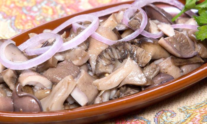 Как мариновать сыроежки с луком