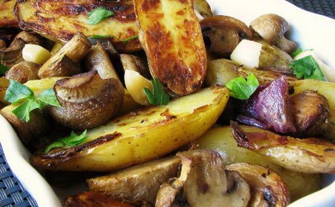 Рецепт приготовления шампиньонов с картошкой в духовке