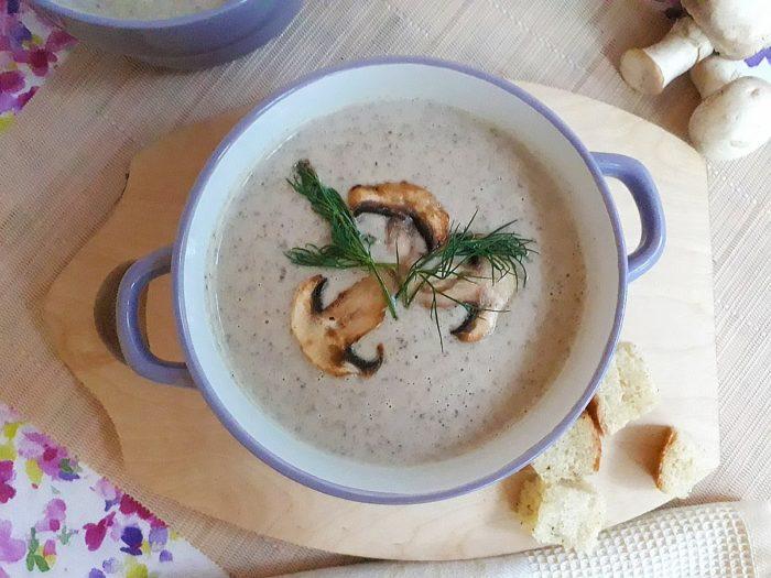 Грибной суп с домашними сухариками