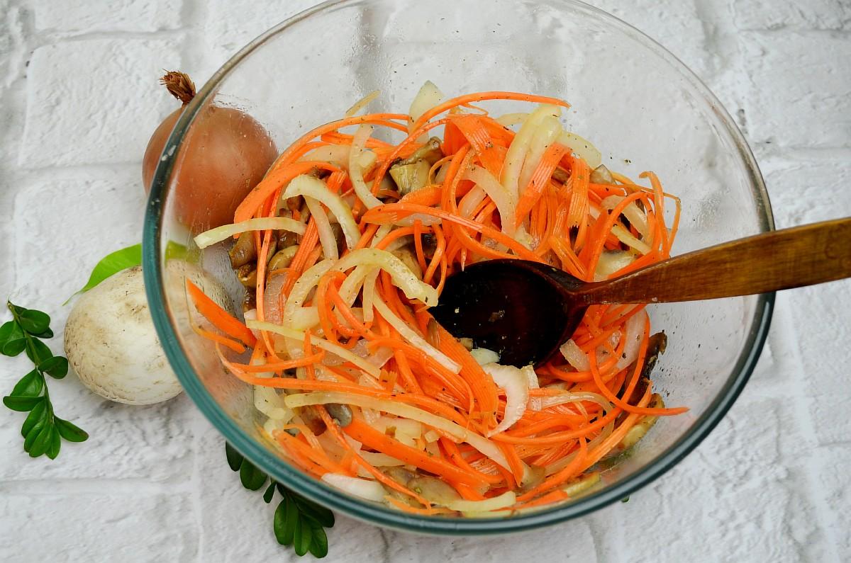 Перемешать салат: фото