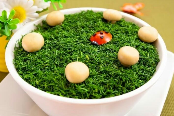Салат «грибная Поляна» с мясом: картинка