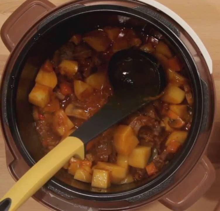 govyadina-s-shampinonami-i-kartofelem-v-multivarke