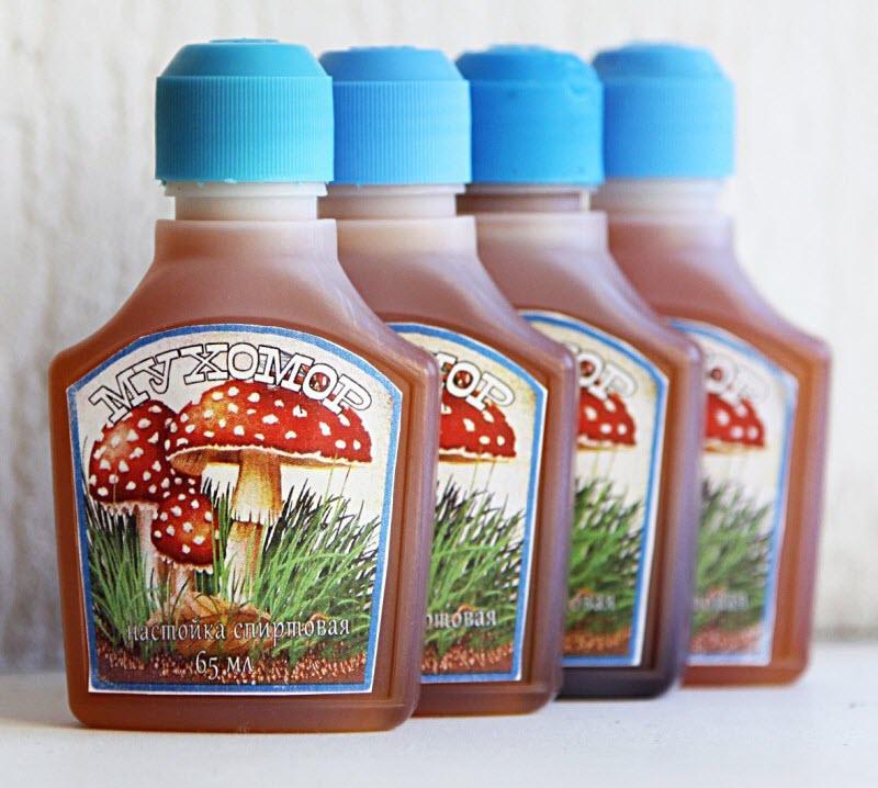 Бутылочки с настойкой мухомора