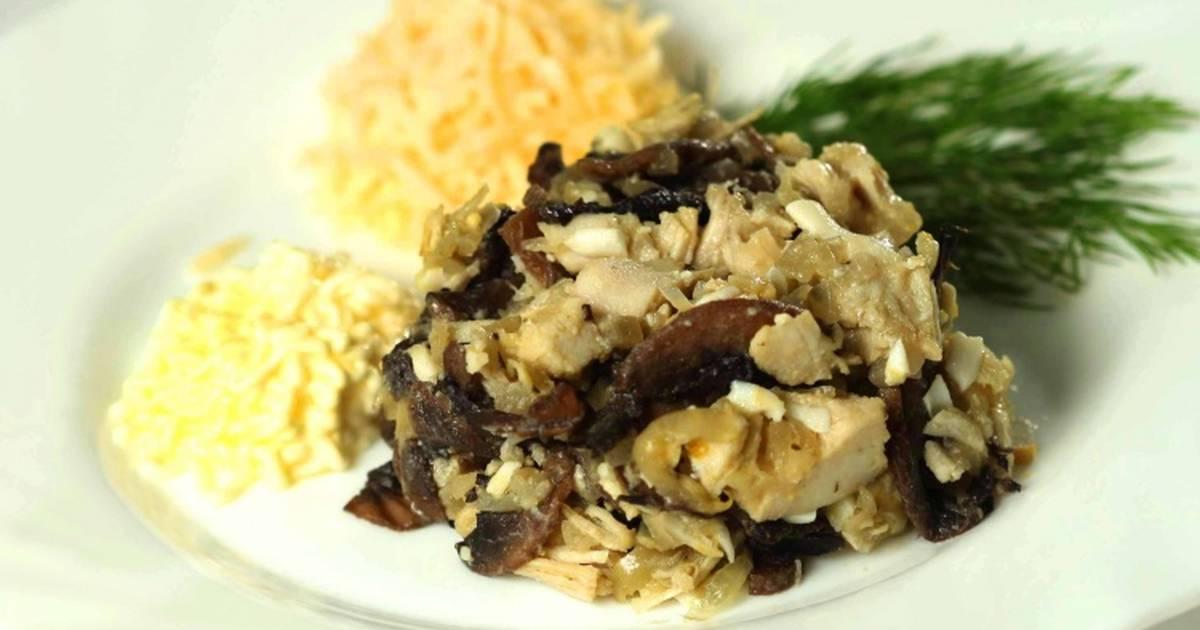 Как приготовить салат с курицей, шампиньонами и черносливом