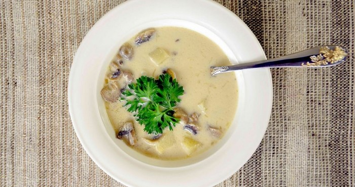 Грибной суп из свежих опят с плавленым сыром