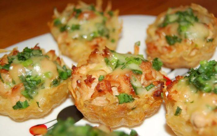 Тарталетки с шампиньонами и картофелем